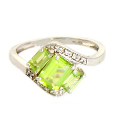 Peridot 1.65 Ct White Topaz  Natural Gemstone Ring In 10 Kt Solid White Gold