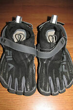 FILA SKELE-TOES Shoes~Size 6~Black/Gray~EZ Slide~GUC
