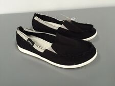 New NWT Womens Crocs Melbourne Women Black Oyster Canvas Flats Shoes Size 5