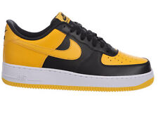 NEW MENS NIKE AIR FORCE 1 LOW BASKETBALL SHOES TRAINERS BLACK / UNIVERSITY GOLD