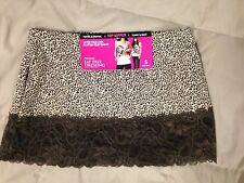 NWT Flexees 4039 Fat Free Dressing Hip Nipper Animal Print Size Small and Medium