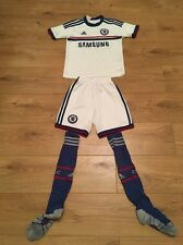 Boy's Adidas 'CHELSEA - WILLIAN 22' Football Strip / Kit - 7-8 Years