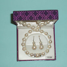 Jewelry Genuine Mother of Pearl Necklace & Earrings Set  Mint in Box