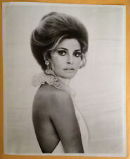 1970 RAQUEL WELCH original VINTAGE glossy photo beautiful actress Hollywood