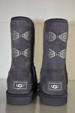 New UGG Uggs Classic Short SWAROVSKI CRYSTAL Bow Boots Purple Gray Shoes 9 RARE