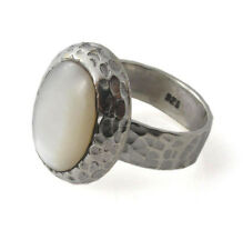 Oval White MOP Hammer 925 Sterling Silver Ring