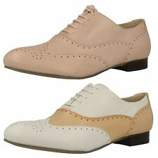 LADIES CLARKS LEATHER LOW HEEL FLAT LACE UP BROGUE SMART SHOES ENNIS WILLOW
