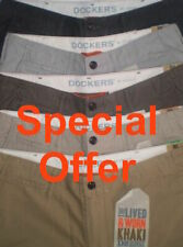 Genuine DOCKERS D2 CHINOS Straight Fit vissuto e indossato KHAKI pants / pantaloni * GOLF *