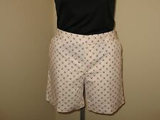"Tommy Hilfiger Womens White Shorts with Geomtric Shapes with 7"" inseam"