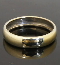 9Carat White Gold Plain Hollow D Shaped Wedding Band (Size O) 4mm Width