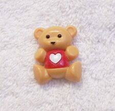 CLASSIC VALENTINE PIN BROOCH BROWN TEDDY BEAR HEART RED PLASTIC SIGN AVON VL-SH9