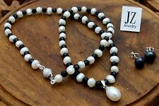 Freshwater Pearl & Black Onyx Necklace with S/Silver Pearl Drop Pendant & Clasp.