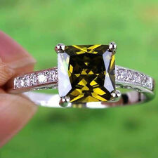 Alluring women Princess Cut Peridot gems sterling Silver Ring Size 7 8 9 10