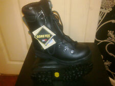 BRITISH ARMY EXTREME COLD WEATHER GORETEX BOOTS WITH VIBRAM NEW!!!!