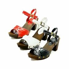 ladies Chunky Low heel open toe sandals with wooden effect