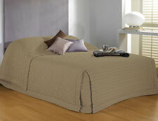 DOUBLE QUEEN KING - Baxter Gold Jacquard Bedspread with Reverse Sham