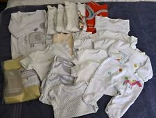 Big bundle of Unisex newborn baby clothes to 1 month, some colourful, 28 items