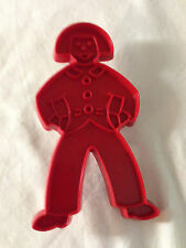 "TUPPERWARE ~ VINTAGE COOKIE CUTTER ~ GINGERBREAD MAN 5"" x 2.5"" ~ RED"