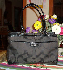 AUTHENTIC COACH BLACK SIGNATURE WITH LEATHER TRIM TOTE/SHOPPER HANDBAG
