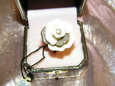 JUICY COUTURE * BG-PAVE PETALS FLOWER RING WHITE ONE SIZE * Free USA Shipping