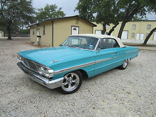 Ford : Galaxie Base