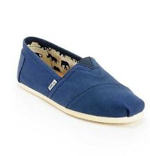 NEW IN BOX MEN'S 8 & 10  TOMS CLASSIC NAVY BLUE CANVAS SLIP ON SHOES