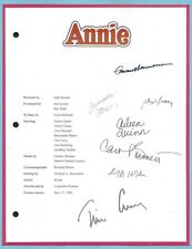 ANNIE MOVIE SCRIPT SIGNED BY 7X RPT ALBERT FINNEY  AILEEN QUINN  TIM CURRY