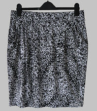M&S Black Mix Pull On Stretch Jersey Knee Length Skirt, Dropped Pockets, Size 16