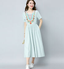 Women's Retro Floral Embroidered Crewneck Short Sleeve Pocket Pleated Midi Dress