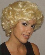 Short Wavy & Layered Blond 'Marilyn Monroe' Wig Wigs