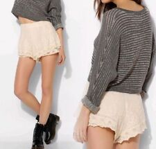 URBAN OUTFITTERS Kimchi Blue 2 4 6 8 BLACK or BEIGE SCALLOPED LACE SHORTS xs s