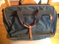 """EUC""EDDIE BAUER Outdoor Outfitters Overnight /Computer/Office Bag Green Nylon"