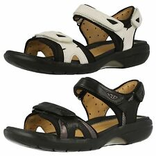 Clarks Unstructured Un Harbour Black/White Leather Casual Touch fastener Sandals