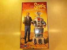 Lost in Space Dr Smith & B9 Robot Model Kit Polar Lights doctor Jonathan Harris