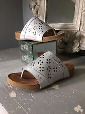 Josef Seibel ~ 100% leather, silver, laser cut, toe-post slides / mules