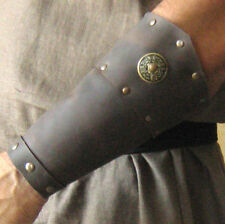 Medieval Armor Barbarian Bracers Deluxe (pointed)