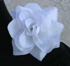 WHITE FLOWER HAIR CLIP FOR MEXICAN FIESTA,5 DE MAYO,DAY OF THE DEAD,WEDDING