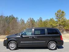 Chrysler: Town & Country Touring-L