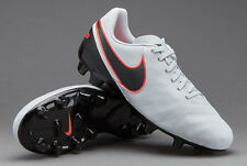 NEW JUNIOR BOYS/GIRLS NIKE TIEMPO LEGEND VI FG SIZE UK 5 FOOTBALL BOOTS BNIB