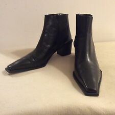 STUART WEITZMAN Black Leather Ankle Boot w/ Block Heels sz.9AA  w/o Box PreOwned