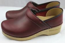 Dansko Professional Red Oiled Doctor/Nurses/Chef Shoes Leather Clogs Wood Accent