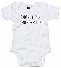 FENCE ERECTOR BODY SUIT PERSONALISED DADDYS LITTLE BABY GROW GIFT