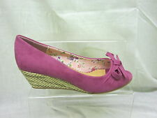 Ladies Anne Michelle Peep Toe Wedge Sandal With Bow In Fuchsia 'L6056'