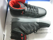 NIB ROCAWEAR ROC OUT FASHION PREMIUM  ATHLETIC SHOES GREAT DESIGN