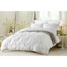 PINCH PLEAT DESIGN WHITE BEDDING SET-INCLUDES COMFORTER AND DUVET COVER