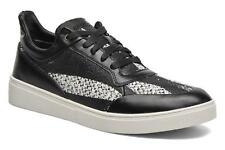 Men's Diesel S-Hype Low rise Trainers in Black