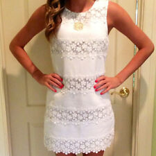 Summer Sexy Hip Slim Sleeveless White Color Lace Ladies Petite Dress Round Neck