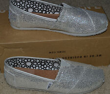 NEW TOMS Classic Silver Glitter Shoes $42 Flats Womens