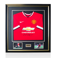 Framed Wayne Rooney Front Signed Shirt - Manchester United 2014/2015