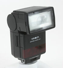 MINOLTA ELECTRONIC FLASH MAXXUM 4000 AF, SOME BATTERY CORROSION/180008
